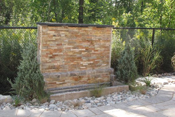 04patio-retaining-wall
